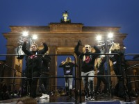 14.02.2016, Brandenburger Tor, Berlin, GER, LSB, Tanzen gegen Gewalt, im Bild Foto Juergen Engler